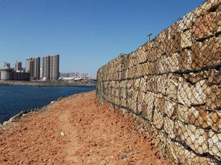 山东定制护坡石笼网的价格