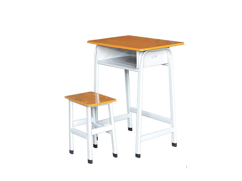 学校课桌椅批发,南宁课桌椅厂家