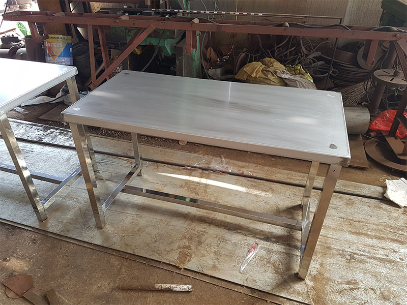 哪里買優質不銹鋼工作桌——不銹鋼工作桌價格