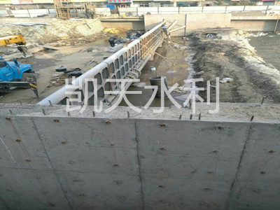 液压翻板坝图片,邢台哪里有卖耐用的钢坝闸门