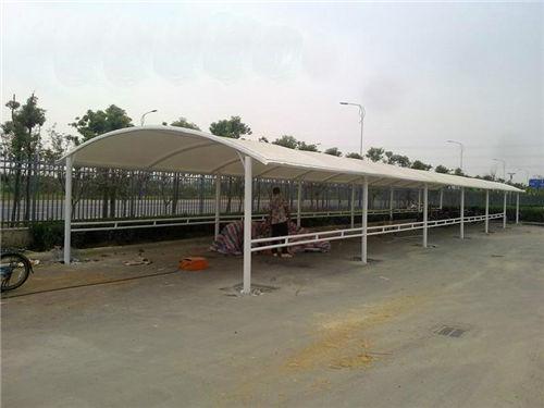 可靠的膜结构停车棚批发价格_专业定制膜结构停车棚