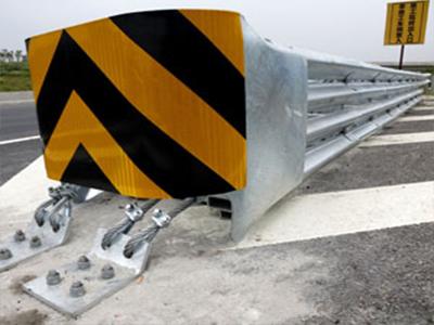 吸能式三角端防撞垫多少钱_专业的三角端防撞垫供应商推荐