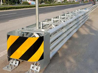 三角端防撞垫厂家|华夏交通科技-口碑好的三角端防撞垫供货商