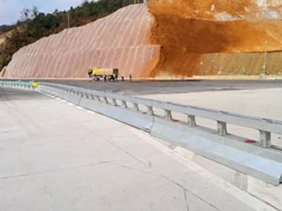 可移动护栏,优惠的施工区可移动护栏就在华夏交通科技