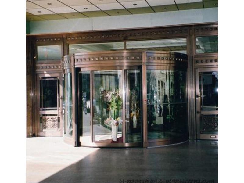 北京嘉圣博提供好的铜旋转门,云南商务两翼旋转门