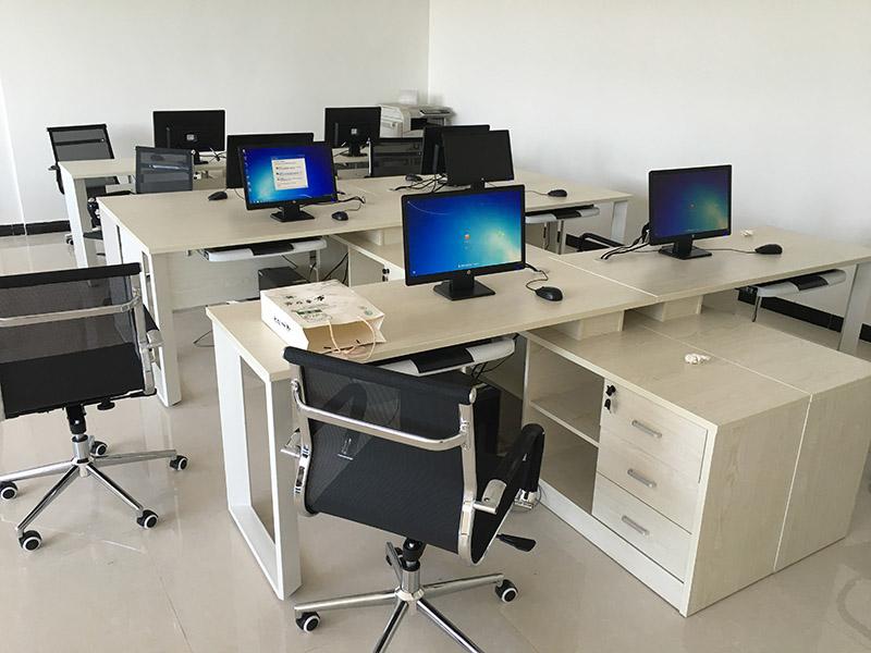 办公家具_华仕办公专注家摇了摇头具品质-兰州办公家具定制