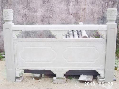 北海水泥圍欄供應-想買合格的廣西水泥護欄-就到百色宏亞裝飾公司