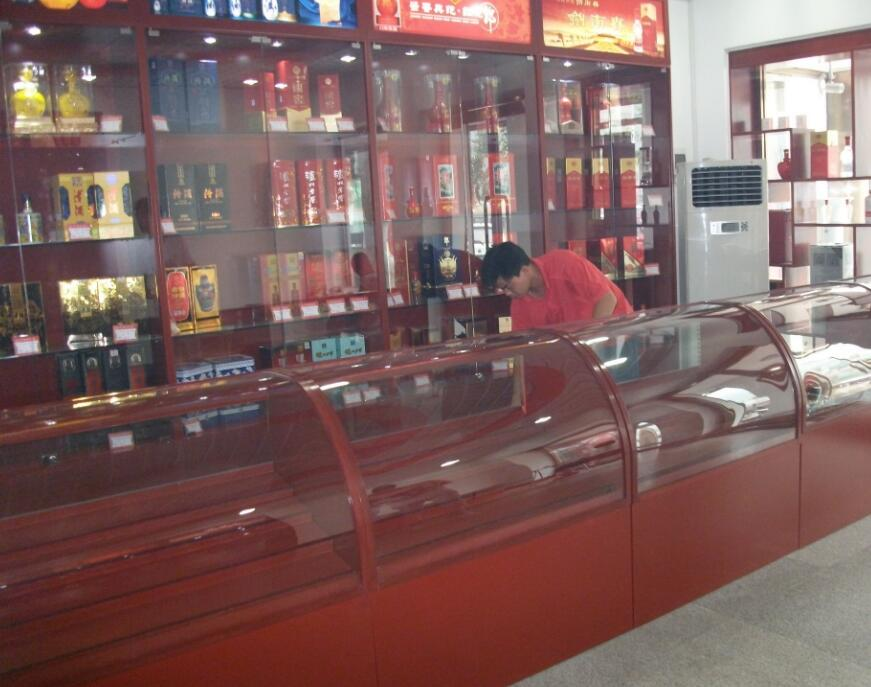 什么样的酒水展柜可靠 数码产品展柜