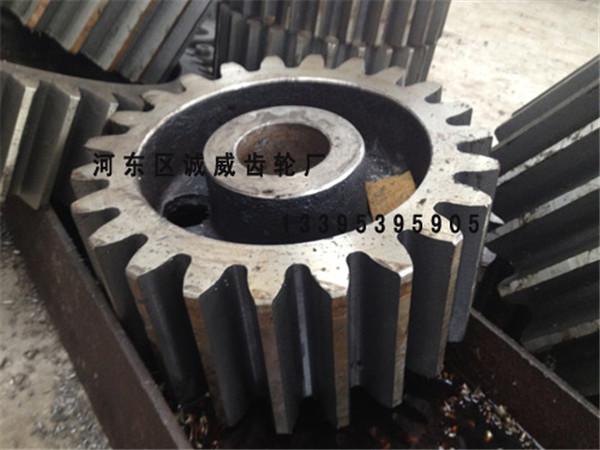 河南球磨機鑄鐵配件圖片_耐用的大型齒輪供應
