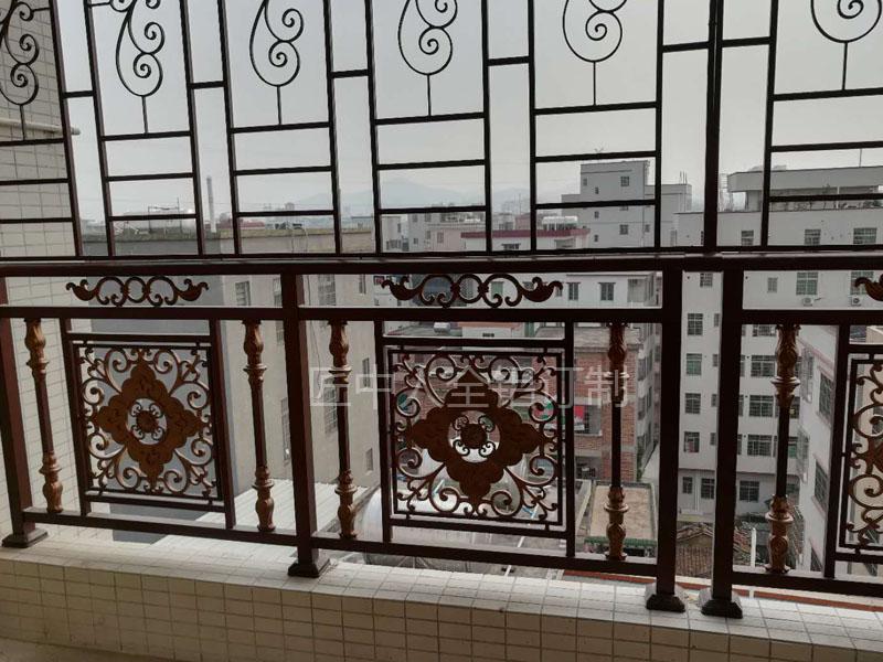 供應優良口碑的鋁合金陽臺護欄-鋁合金護欄生產廠家