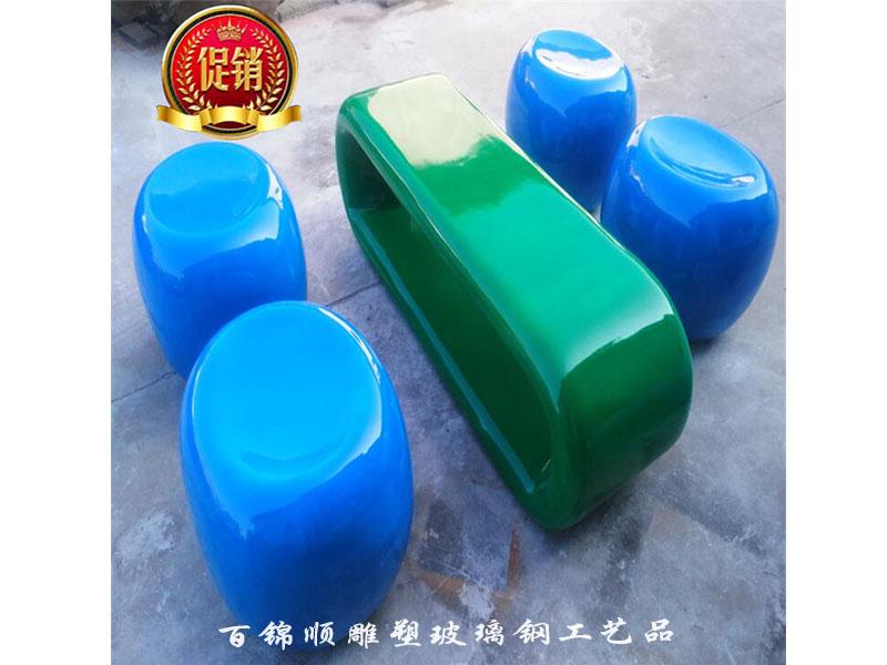 东莞哪里可以做玻璃钢雕塑 江苏玻璃钢景观雕塑生产厂家