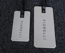 星鑫鸿印刷为您提供具有口碑的惠州男装吊牌印刷-洪梅服装吊牌