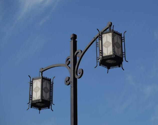 广西太阳能仿古灯,仿古路灯