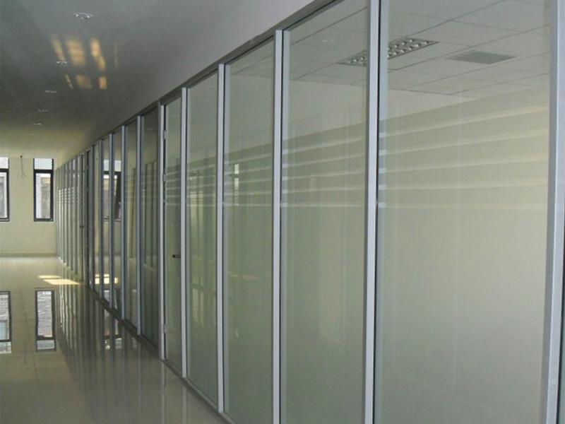 丹阳黎斯卡家具_办公室玻璃隔断供应商-办公装修供应商