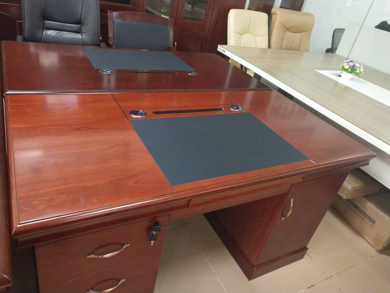 南寧大班臺定做-哪里有銷售耐用的廣西辦公桌椅