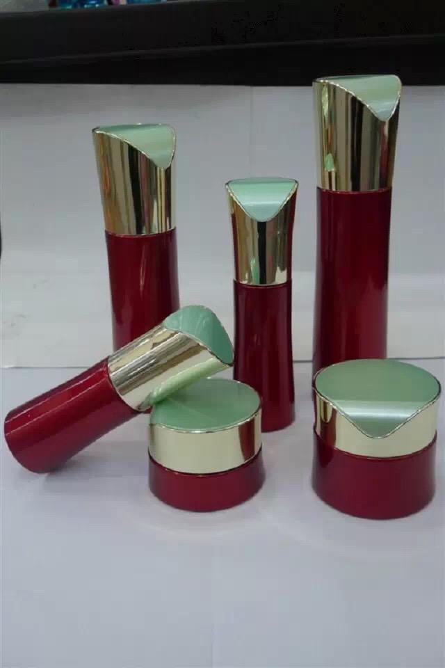 化妆品玻璃瓶厂家――哪里有卖耐用的化妆品瓶