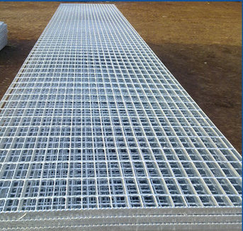 衡水镀锌钢格栅市�锍〖鄹瘢�钢格板供应商