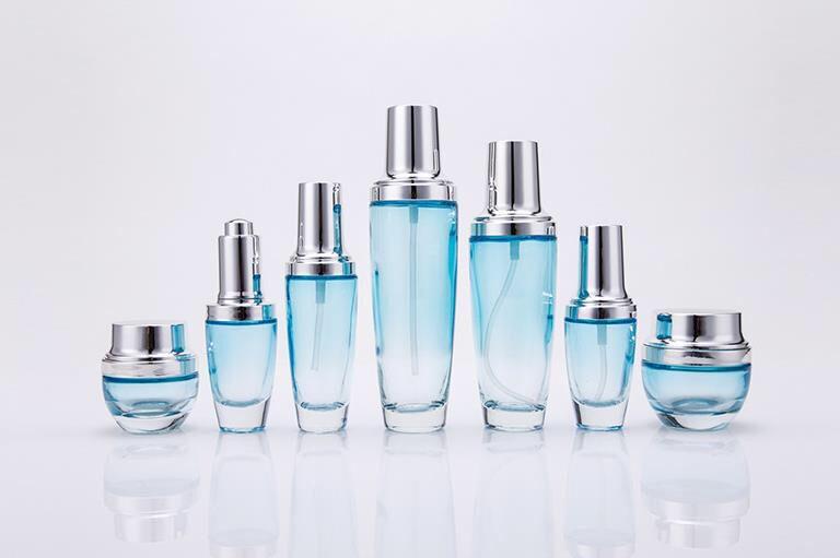 买口碑好的化妆品包装瓶子,就到广州晶鐤_专业生产化妆品包装容器