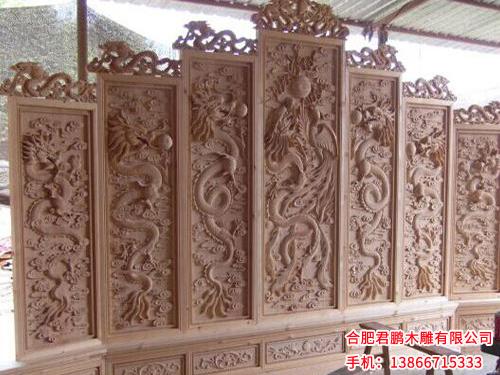 优质的木雕工艺品当选君鹏木雕,马鞍山仿古木雕灯笼批发