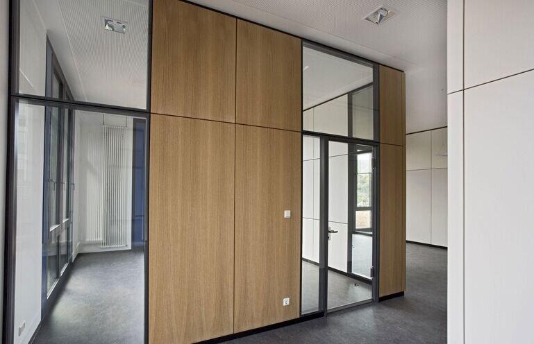 木质实体屏风隔断价格 广州价格实惠的木质实体办公隔墙