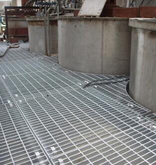 大量供应高品质的钢格栅板 山东钢格板