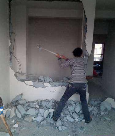 西安铲墙多少钱 称心的房屋改造公司当属陕西新友邦建筑施工