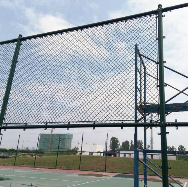 冠合絲網制品為您供應優良體育場護欄鋼材 -體育場護欄價格
