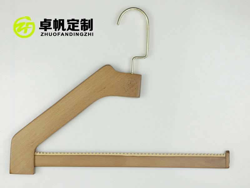 声誉好的木衣架供应商,当选卓帆木制|木衣架厂商