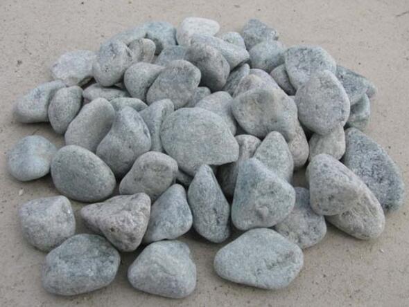 上哪买实惠的天然河卵石|黄木纹砂岩机制鹅卵石厂家