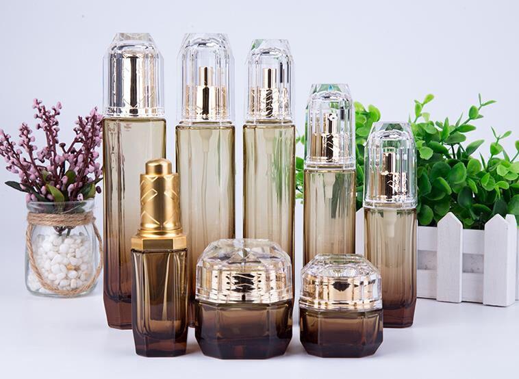 化妆品喷雾瓶子生产化妆品瓶子好看的化妆品瓶子
