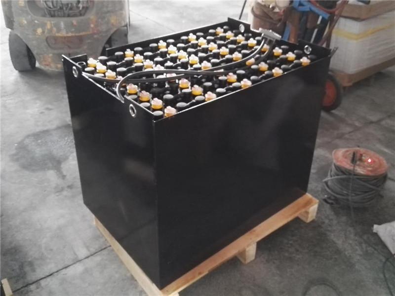 叉车电池厂家|镇江知名的推荐|叉车电池厂家