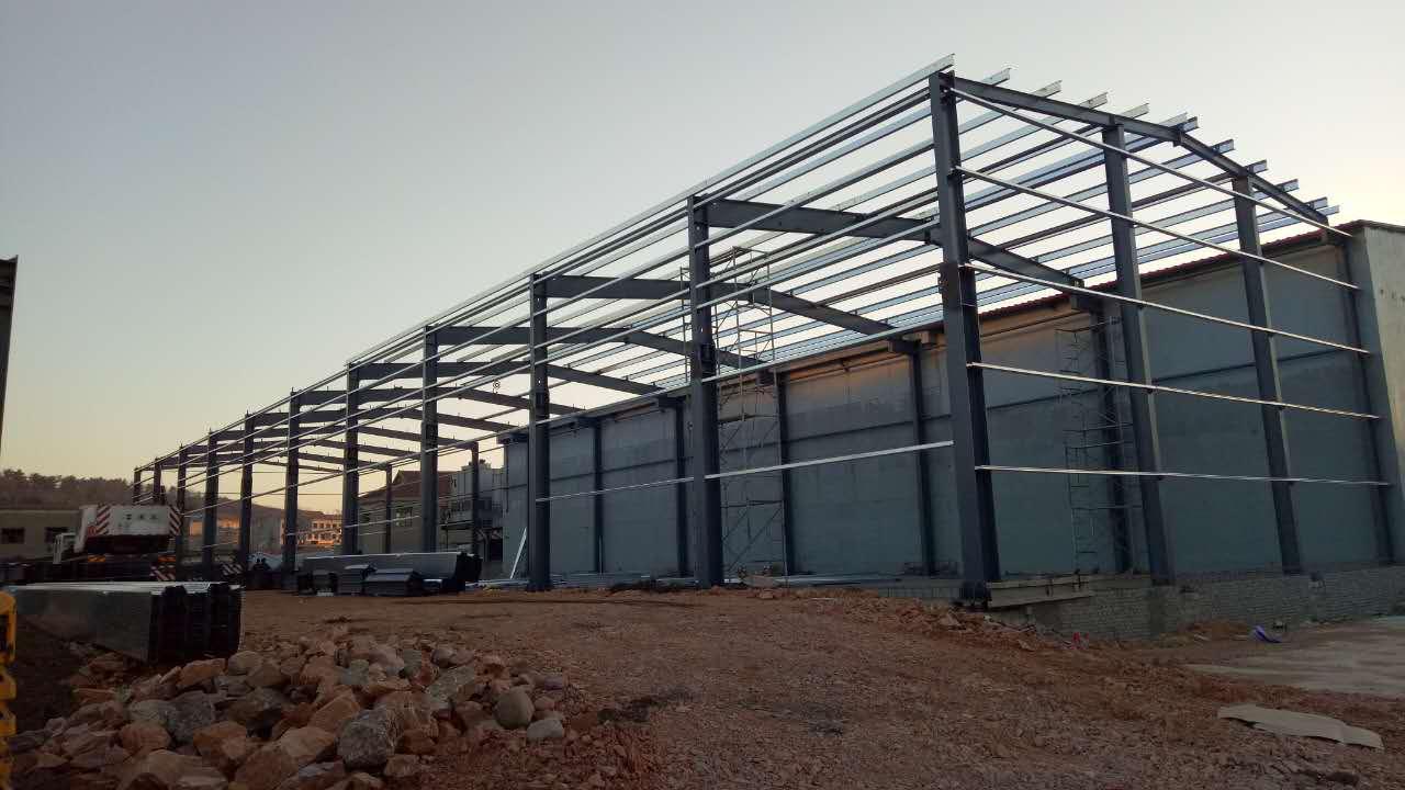 【振兴彩钢】烟台钢结构厂房 烟台钢结构安装