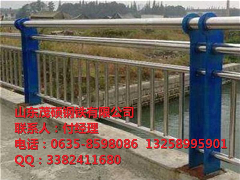 不锈钢桥梁立柱