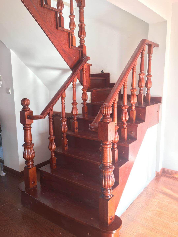 大连实木楼梯多少钱-辽宁实木楼梯厂家直销