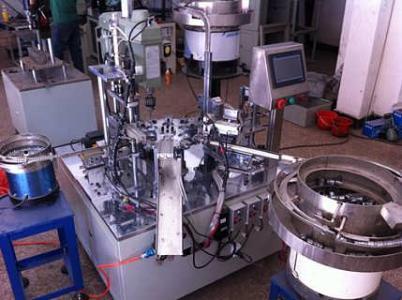 自动组装机