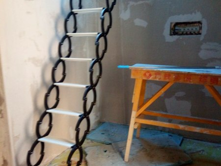 哪里有供应物超所值的阁楼楼梯,鞍山阁楼楼梯厂