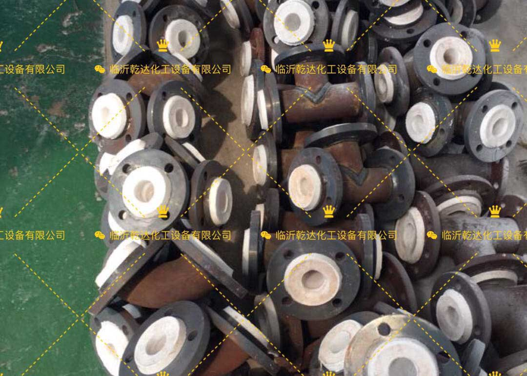 想买优huidegang衬四fu管dao,就来乾达化gong设备-四川低铬耐酸铸铁管