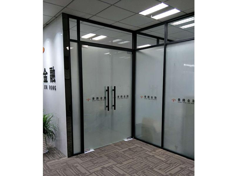 办公玻璃隔断,双层玻璃隔断,木饰面隔断
