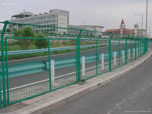 提供公路护栏网-衡水哪里有卖销售热门的公路护栏网