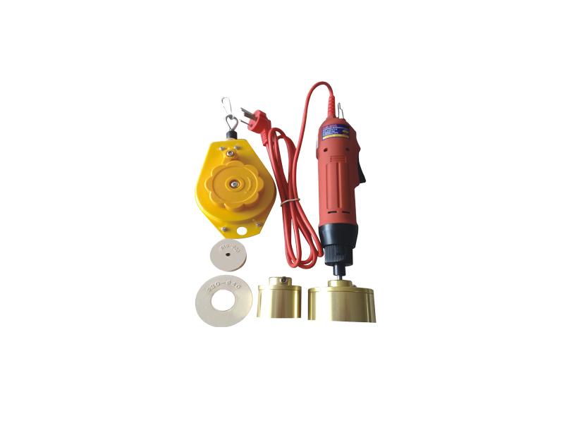 包装封口机专业供应厂商——宝山全自动喷雾瓶旋盖机