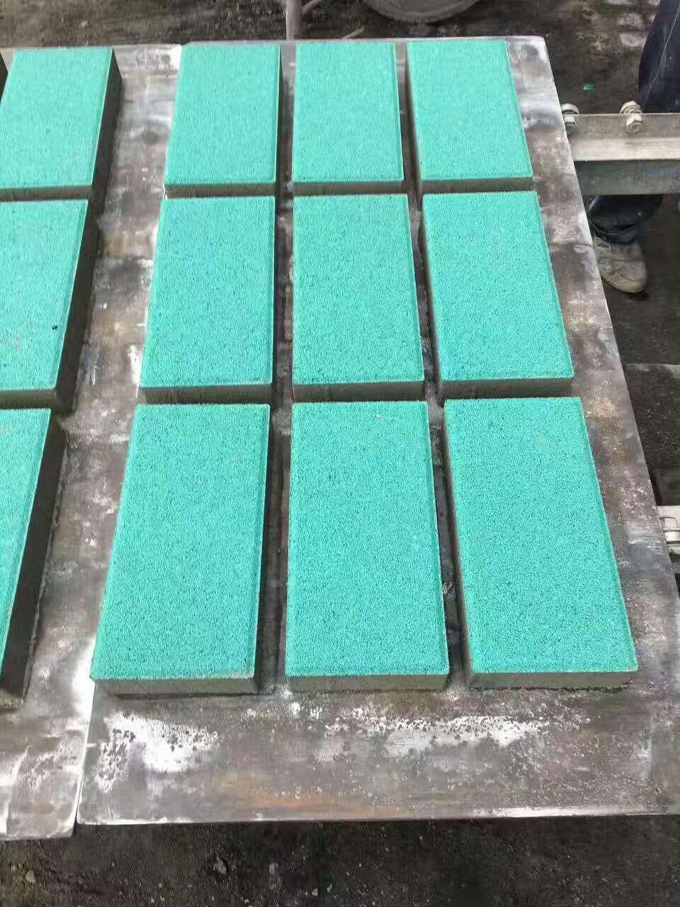 渗水砖/渗水砖批发/渗水砖价格/北京宏尔斯建材有限责任公司