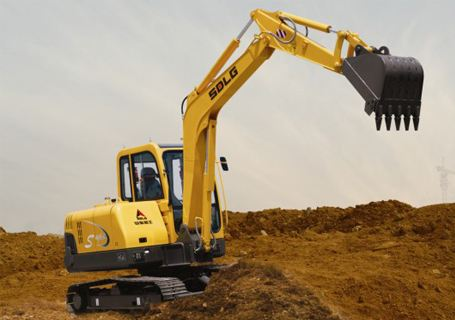 万盛小松挖掘机维修售后服务站电话