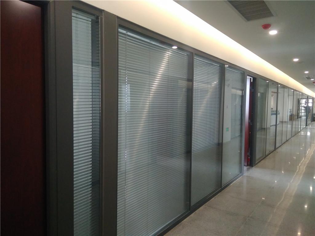 玻璃隔断,办公隔断,双玻百叶隔断,廊坊美泰玻璃隔断