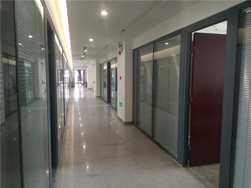 玻璃隔断,办公隔断,铝合金玻璃隔断,廊坊美泰玻璃隔断