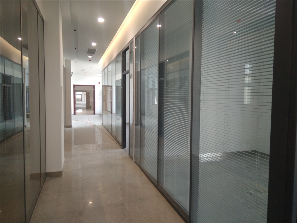 永清鋼化玻璃-北京市玻璃隔斷設計安裝