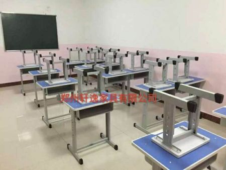 郑州课桌椅哪里有卖  轩逸家具品质保证