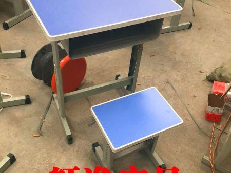 焦作课桌椅