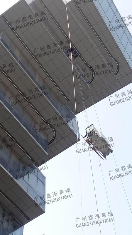 更换弧形玻璃当然到广州鑫海建筑幕墙工程——哪有更换玻璃