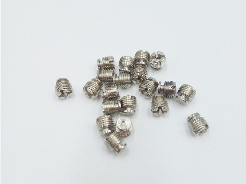 螺絲擰花了怎么辦-規模大的調節鐵螺絲釘生產廠家