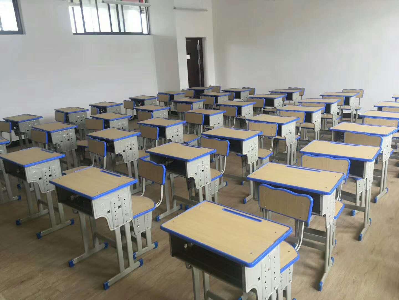 陕西课桌椅-具有良好口碑的甘肃课桌椅供应